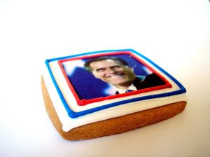 Cookie decorated with Romney portrait