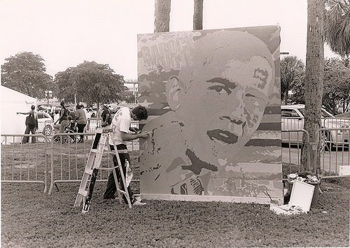 Obama painting at a rally